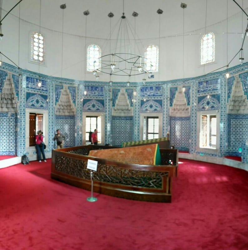 Hürrem Sultan Türbesi Nerede ve Nasıl Öldü ile Hakkında Bilgi